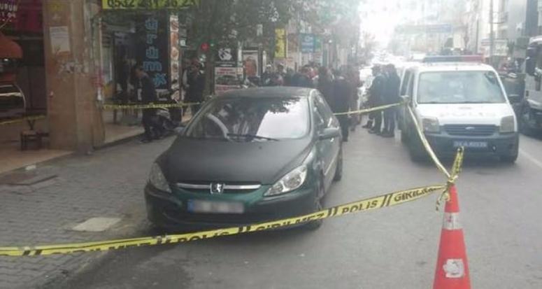 Bakırköy'de şüpheli araç alarmı! Polis olay yerinde