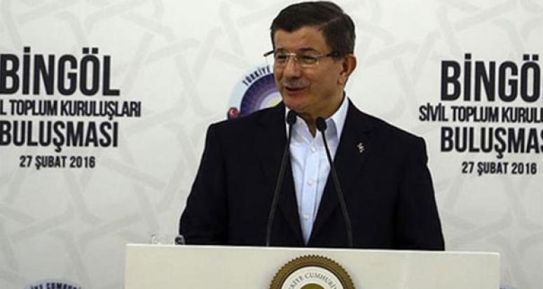 Davutoğlu: Bir milletvekili arabasıyla silah taşıdı