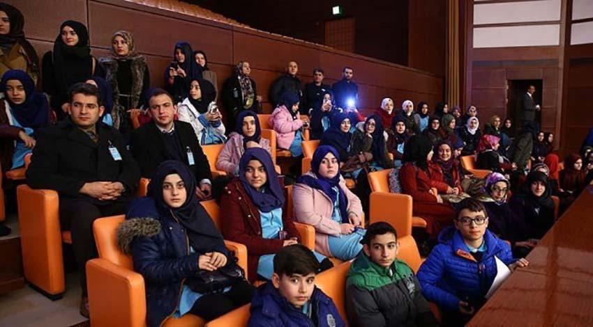 Öğrencilerden Meclise yoğun ilgi
