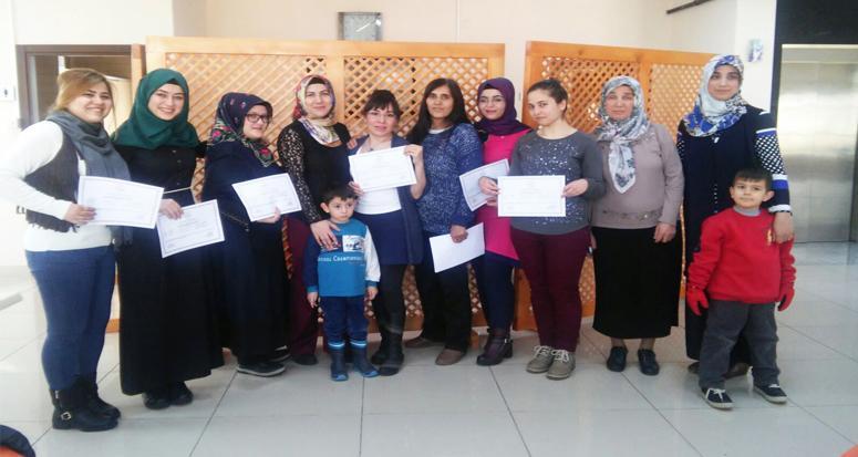 Hanımlar İngilizce sertifikası aldı