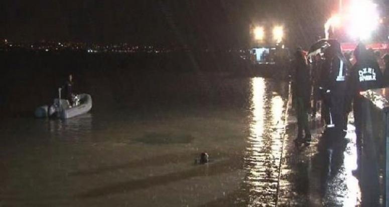 İstanbul'da otomobil denize düştü! 3 kişi kayıp