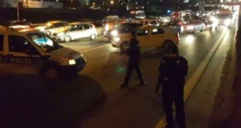 İstanbul TEM'de polise silahlı saldırı