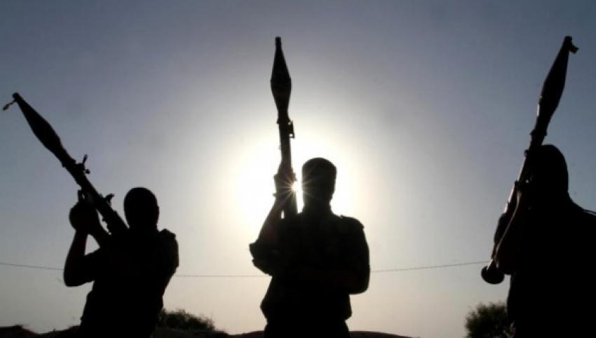 PKK/PYD'li teröristler sivillere saldırdı