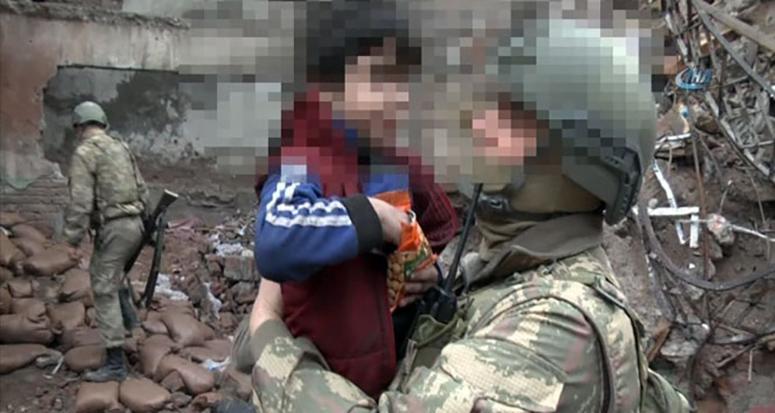 PKK'nın çocukları kandırdığının kanıtı!