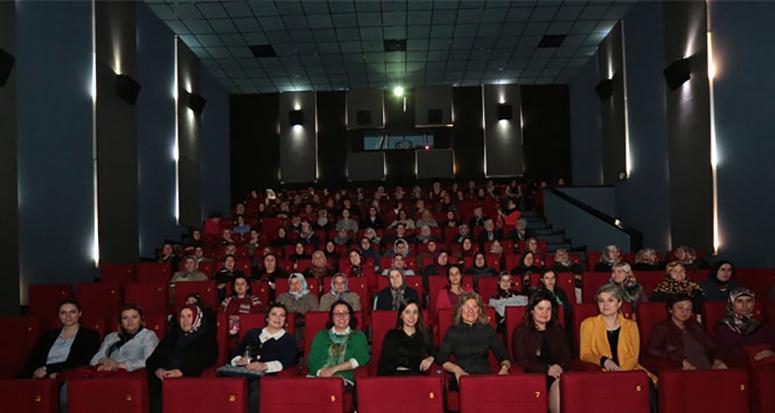 Hiç sinemaya gitmemiş 140 kadın!