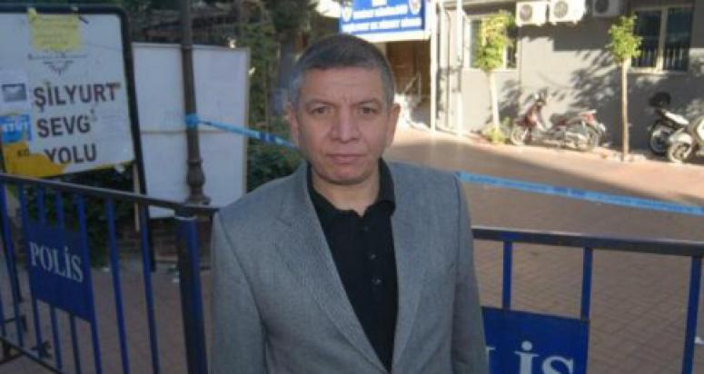 Emekli albay Nazlı Ilıcak ve Akın İpek'in peşine düştü