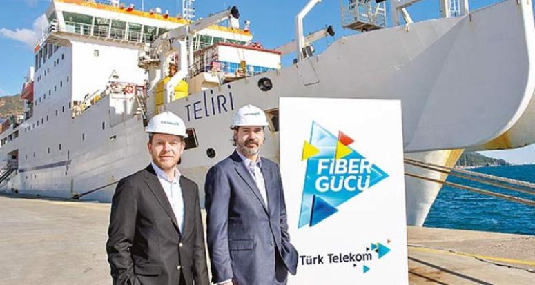 Türk Telekom Türkiye'yi 3 kıtanın veri üssü yapacak