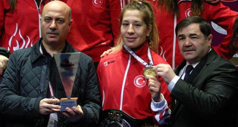 Avrupa Güreş Şampiyonası'nda gurur gecesi: 2 altın madalya