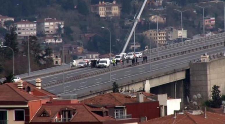 Köprüde bombalı araç paniği!