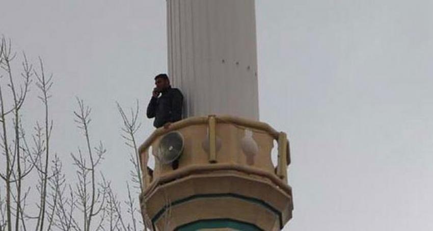 Bu köyün insanları imamdan daha çok minareye çıkıyorlar