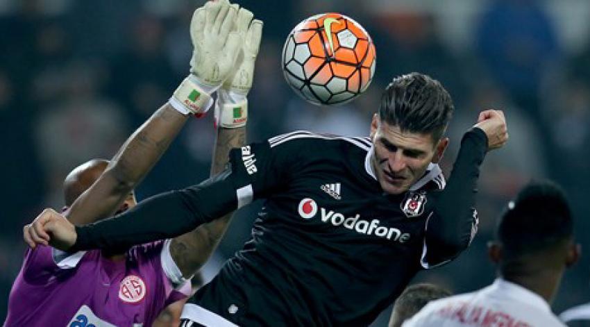 Beşiktaş liderliği bu hafta da kaptırmadı