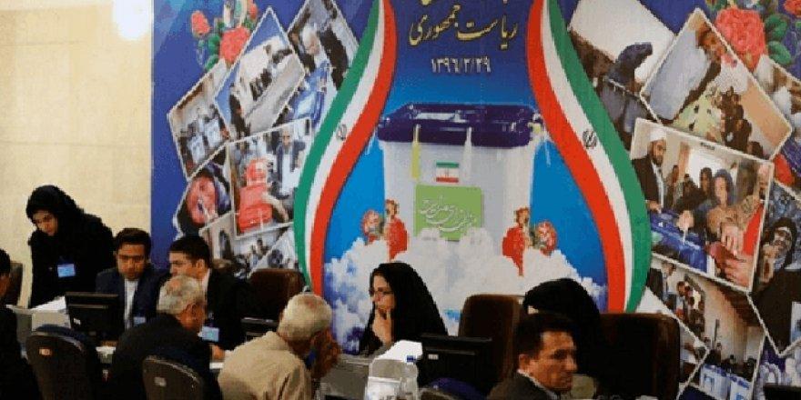 İran'da referandum çağrısı
