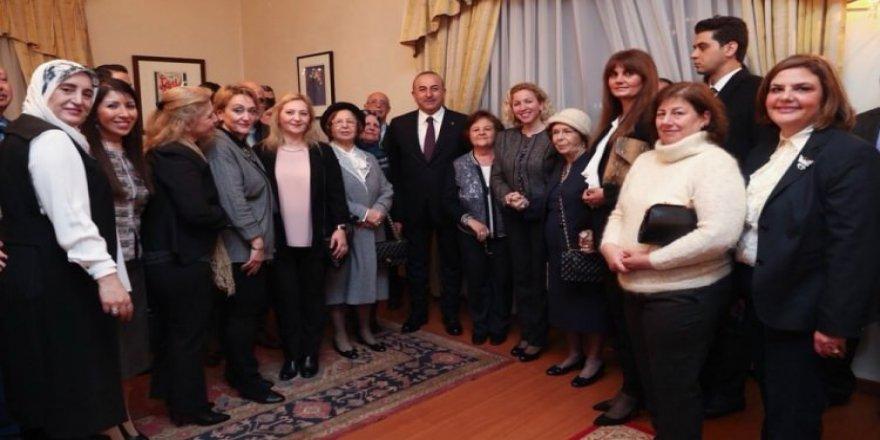 Çavuşoğlu, Amman'da Türk vatandaşlarıyla buluştu