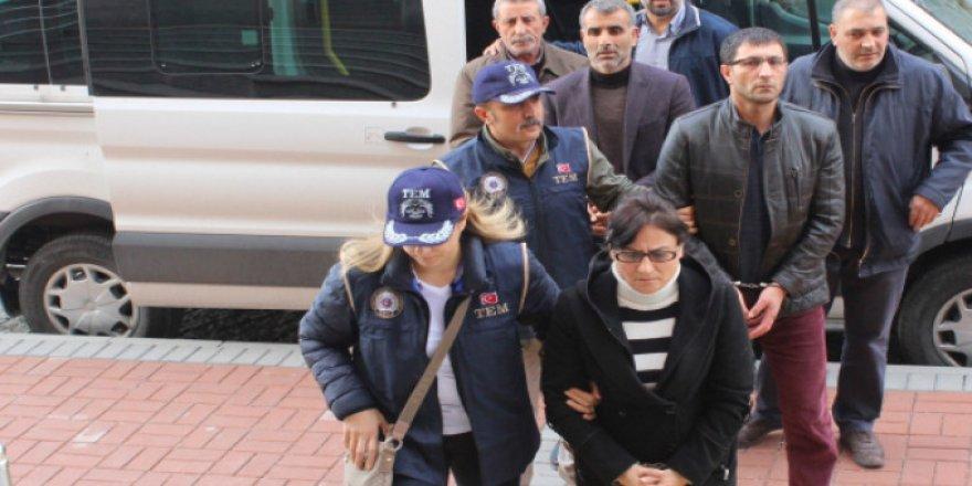 HDP'li yöneticiler tutuklandı!