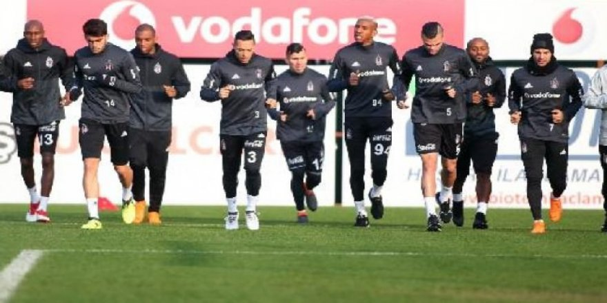 Beşiktaş derbiye kilitlendi