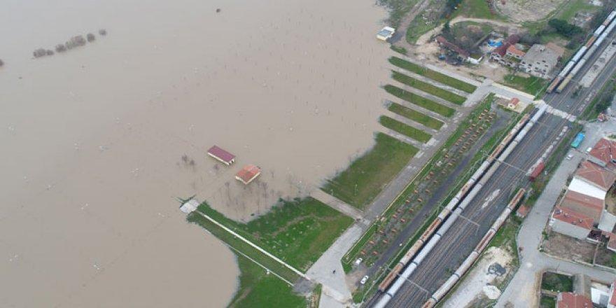 Ergene Nehri taştı, evler sular altında kaldı!