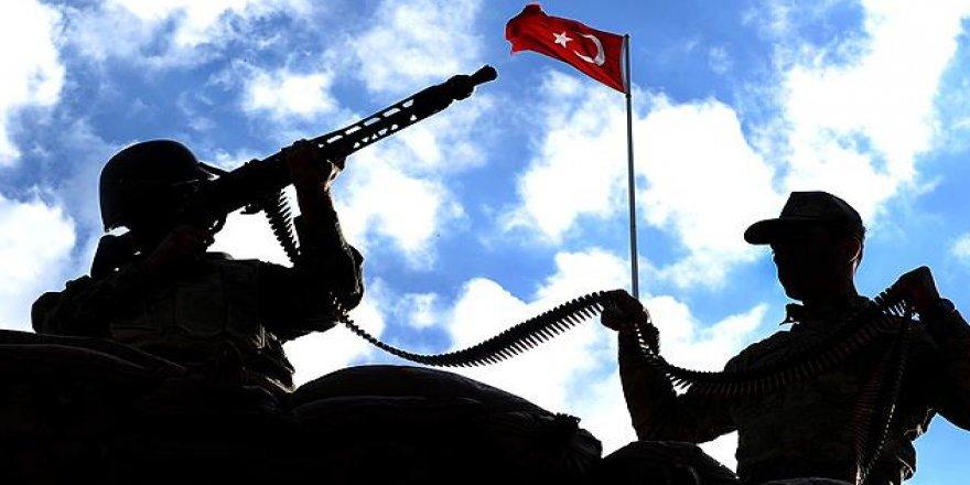 Tunceli'de çatışma: Bir asker yaralı! 3 terörist öldürüldü