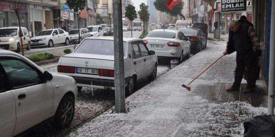 Bursa'da dolu etkili oldu