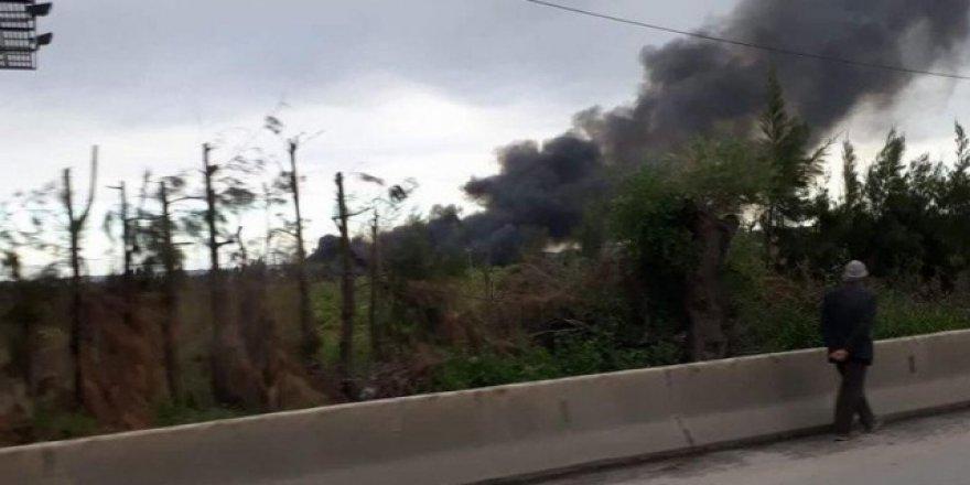 Cezayir'de askeri uçak düştü: 100 ölü
