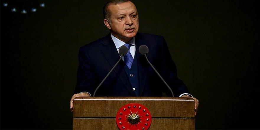 Erdoğan konuşmasını kesip Turgat Özal için Fatih okudu