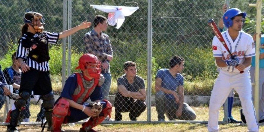 Türkiye Beyzbol Ligi maçları başladı