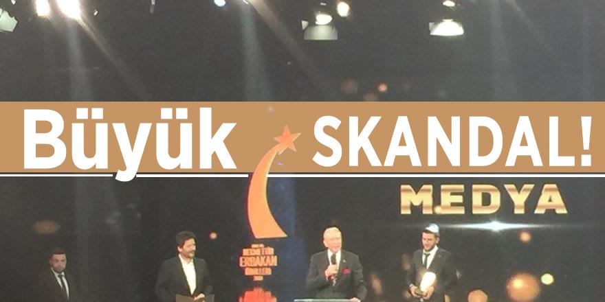 Erbakan Ödülleri töreninde BÜYÜK SKANDAL!