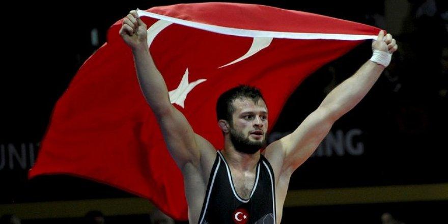 Enes Başar bronz madalyanın sahibi oldu
