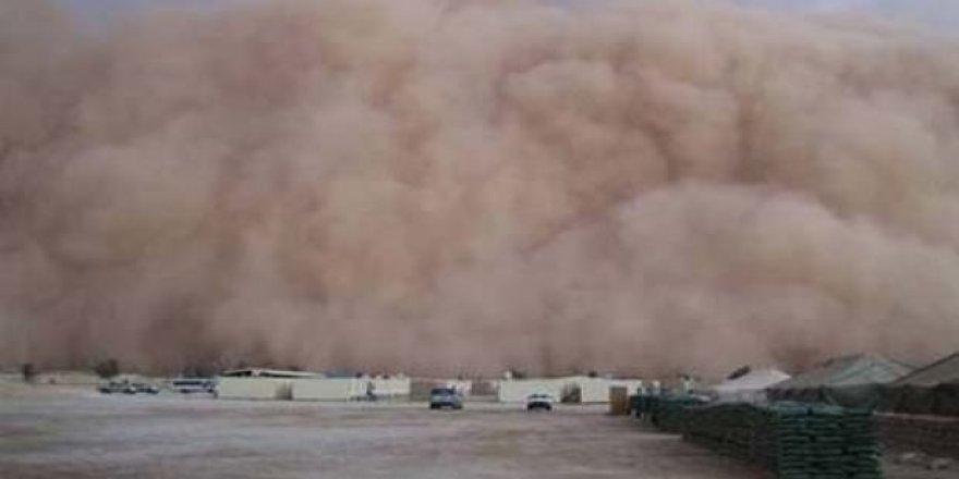 Kum fırtınası felakete yol açtı: 77 kişi öldü!