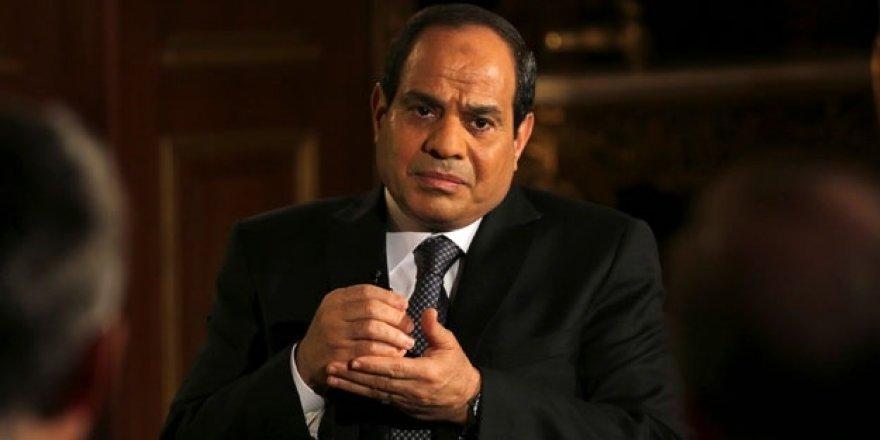 Darbeci Sisi'den şaşırtmayan hareket!