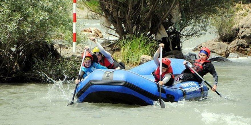 Tunceli'deki Rafting Türkiye Şampiyonası sona erdi