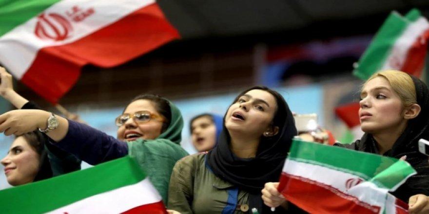 İran'da flaş yasak!