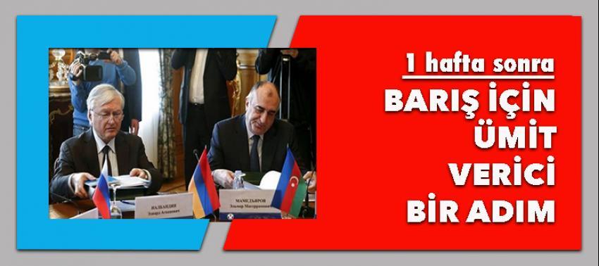 Azeri ve Ermeni dışişleri bakanları tokalaştı