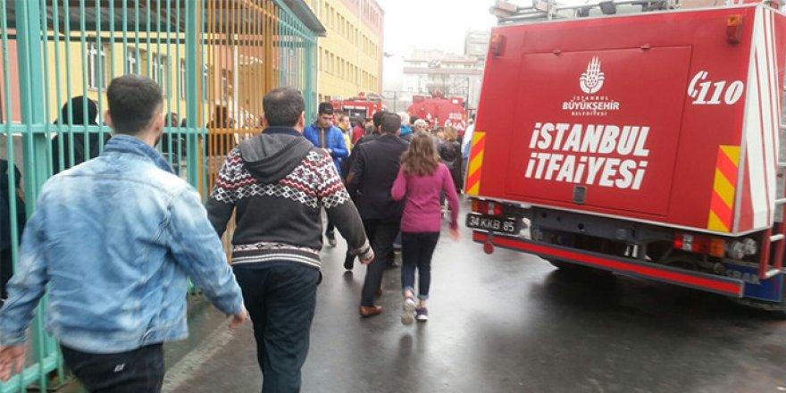 Okulda yangın paniği! Öğrenciler tahliye ediliyor