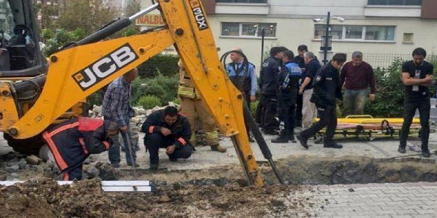 İstanbul Beylikdüzü'nde bir işçi toprağın altında kaldı