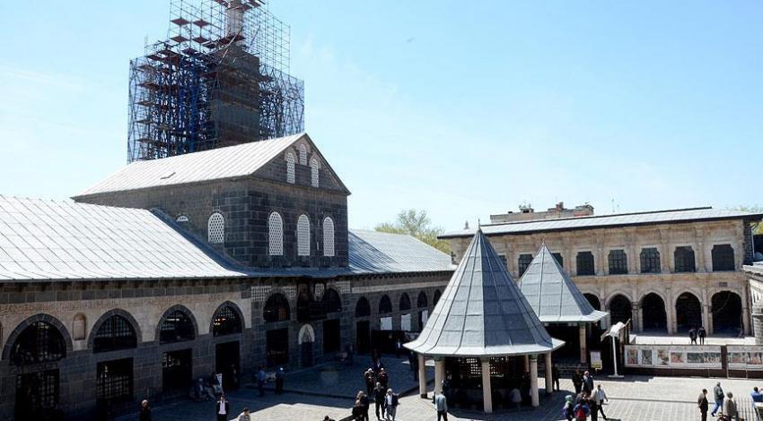 Tarihi 4 ayaklı camide restorasyon başladı!