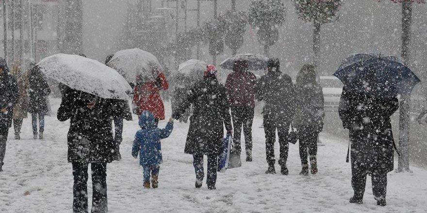 Beklenen kar yağışı başladı! İş çıkış saatine dikkat