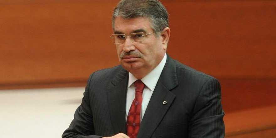 İdris Naim Şahin Saadet Partisi'nden aday oldu