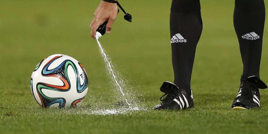 Futbolda 8 kural resmen değişti!