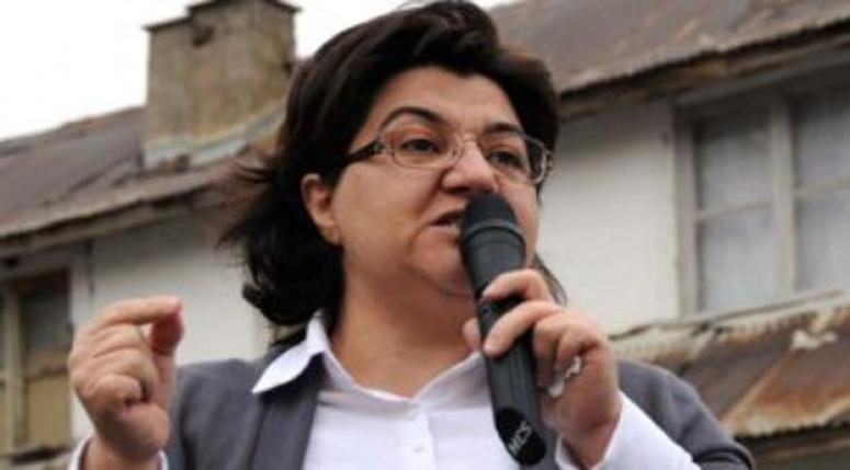 Emine Ayna siyasetten çekildi!