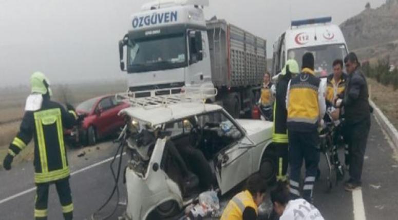 Denizli'de feci kaza: 3 ölü, 3 yaralı!