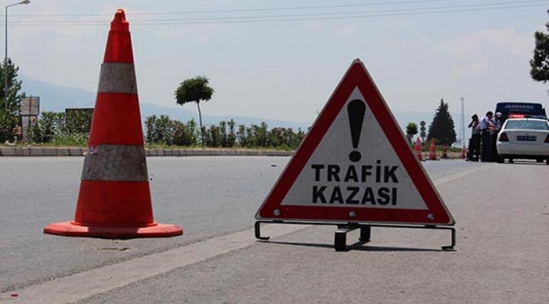 Cenaze dönüşü kaza yaptılar: 4 ölü