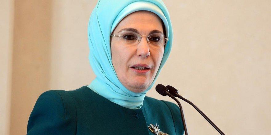 Emine Erdoğan'dan 'Dünya Yetimler Günü' mesajı!