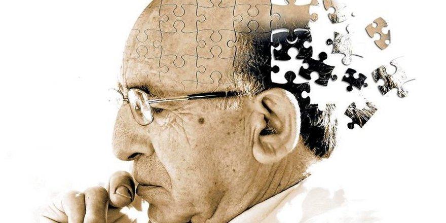 Alzheimer kendini nasıl belli eder?