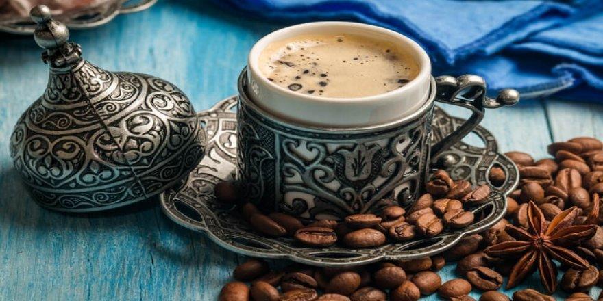 Yatmadan önce kahve içmek uykuyu etkiliyor mu?