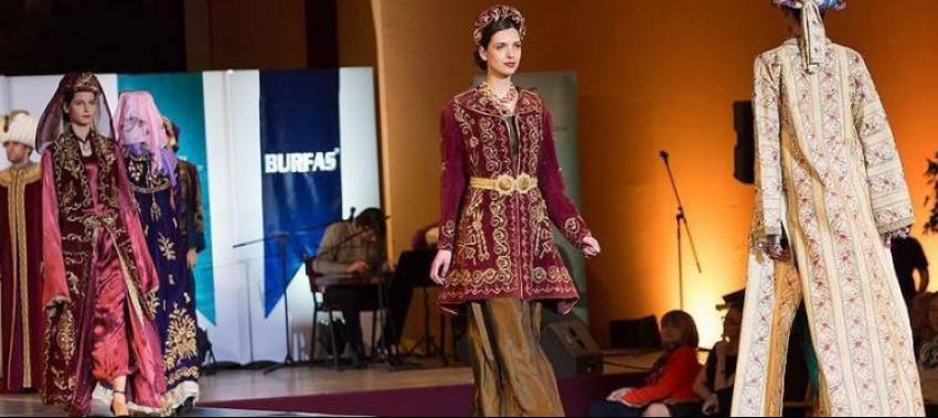Budapeşte'de Osmanlı kıyafetleri defilesi