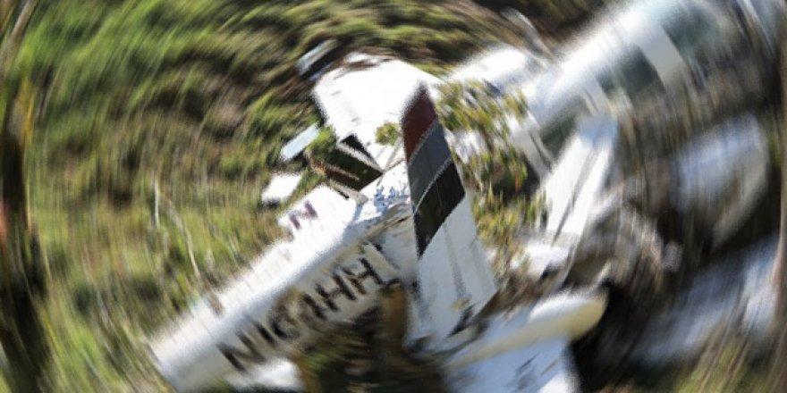 Kolombiya'da yolcu uçağı düştü! Çok sayıda ölü var