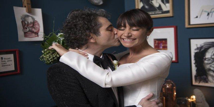 Sıla ve Hazer Amani sade bir törenle evlendi