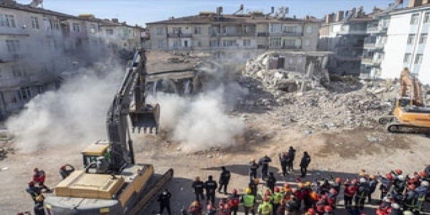 Elazığ'da 50 bina acil olarak yıkılacak!