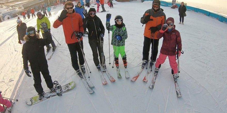 İmamoğlu kayak tatili eleştirilerine cevap verdi