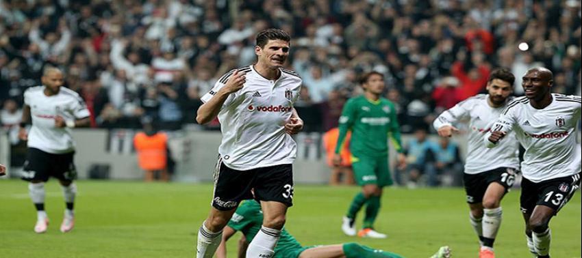 Gomez'den 12 maçta 9 gol!